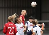 Hạ Tottenham, MU lần đầu lên ngôi đầu bảng bóng đá Anh