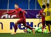 Ronaldo phản pháo Bộ trưởng Ý