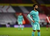Liverpool thua sốc Southampton, thành Manchester mở hội