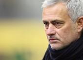 Mourinho bỗng dưng cà khịa sao MU