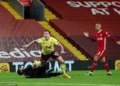 Thua sốc Burnley, Liverpool nguy cơ văng khỏi Top 4