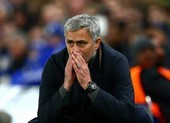 Mourinho ngoạn mục đào thoát khỏi sân tập Chelsea