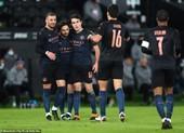 Man City nối bước MU, Tottenham rời FA Cup trong 'mưa gôn'
