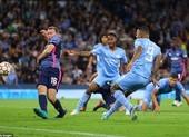 Messi bỏ lỡ nhiều cơ hội, Man. City rượt đuổi tỷ số tại Etihad