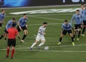 Messi lập kỷ lục, tái hiện khoảnh khắc kỳ diệu của Maradona
