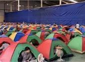 Kiến nghị công nhân sản xuất tại chỗ nhưng ngủ ở 'vùng xanh'