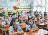 Trường học thở phào khi bỏ giãn cách lớp học