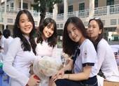 Nữ sinh THPT Lê Quý Đôn rạng ngời trong lễ tri ân