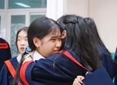 Lễ ra trường tràn ngập cảm xúc của học sinh Nguyễn Du