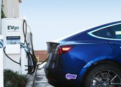Xe điện Tesla công bố sẽ dùng pin Trung Quốc