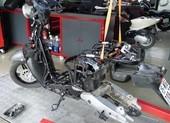 'Mổ xẻ' VinFast KlaraS: Vì sao giá bán ngang xe máy xăng?