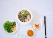 Đưa món ăn đặc sản địa phương vào khách sạn năm sao