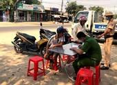 Gia Lai: Phạt 16 người ra đường không đeo khẩu trang