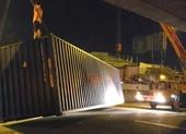 Xe ôm kể thoát chết trong gang tấc khi thùng xe container rớt
