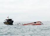 Tàu chở 13 ngư dân Bình Định bị chìm tàu vì áp thấp