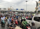 Đề xuất bật đèn xe máy cả ban ngày: Vẫn chưa thuyết phục