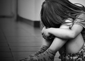 Can thiệp khẩn cấp một trường hợp bé gái nghi bị xâm hại