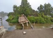 Sà lan chở cát va chạm làm sập cầu ở Tiền Giang