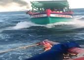 Không thể trục vớt xác tàu chìm, tin báo tội phạm bị gác