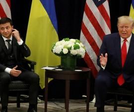 Nhà Trắng công bố cuộc gọi đầu tiên giữa Trump và Zelenskiy
