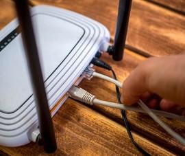 Bắn chết hai cha con hàng xóm vì 'xài chùa' WiFi