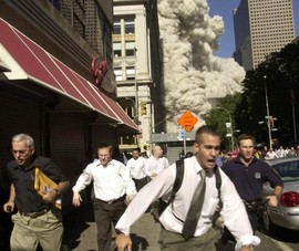 Người thoát chết trong vụ 11-9 qua đời vì COVID-19