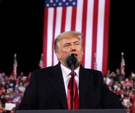 Hơn 1/3 người Mỹ tin có 'chính quyền ngầm' muốn loại ông Trump