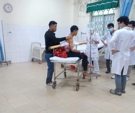 Nam thanh niên tại Quảng Ngãi bị cây keo đâm xuyên người