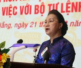 Chủ tịch Quốc hội Nguyễn Thị Kim Ngân làm việc với Quân khu 5