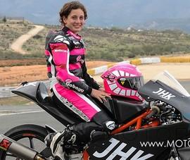 Sốc: Nữ VĐV vượt qua đồng nghiệp nam vô địch đua môtô thế giới