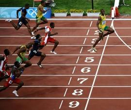 Ảnh 'giãn cách xã hội' của Bolt nửa triệu 'like' 90 ngàn 'còm'