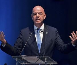 Cựu Chủ tịch FIFA yêu cầu đình chỉ chức vụ ông Infantino