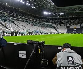 Lạ lùng Napoli bị trừ điểm hạnh kiểm vì bỏ trận với Juventus