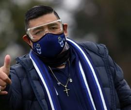 'Cậu bé vàng' Maradona đối mặt ca mổ cuộc đời