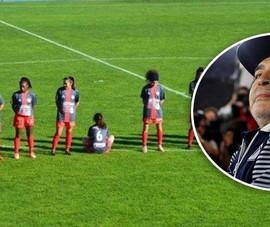 Bị dọa giết vì không 'mặc niệm' Maradona