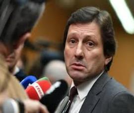 Giám đốc thể thao PSG úp mở chuyện Messi