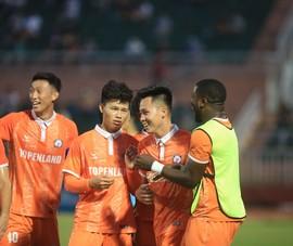 Hỏng phạt đền 2 lần, T. Bình Định vẫn vô địch