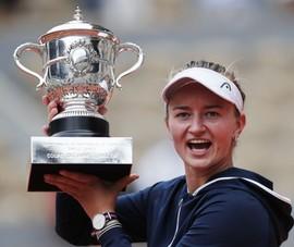Krejcikova vô địch Roland Garros theo tiếng gọi của tiền bối