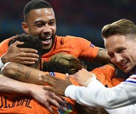 Hà Lan và Bỉ tiếp nối Ý vào vòng trong