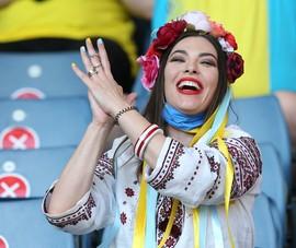 Sắc màu Ukraina tại Hampden Park qua ảnh