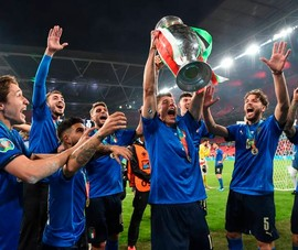 Chùm ảnh đầy cảm xúc trận chung kết Euro 2020
