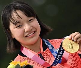 Bé gái 13 tuổi đoạt HCV Olympic