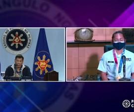 Vừa về sân bay Manila, kỷ lục gia Olympic gặp Tổng thống Duterte
