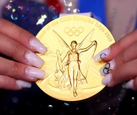 Kỳ công những tấm huy chương Olympic Tokyo