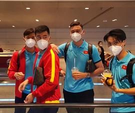 2 năm Văn Lâm mới gặp lại đồng đội ở Doha
