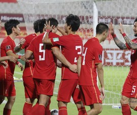 Tuyển Trung Quốc đã yếu lại đá sân trung lập
