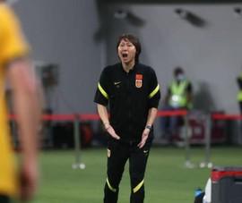 Thua Úc 0-3, huấn luyện viên Trung Quốc lấy Nhật ra so sánh
