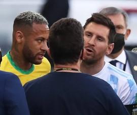 """Đang diễn ra """"đại chiến"""" Brazil- Argentina, quan chức Y tế vào bắt dẹp"""