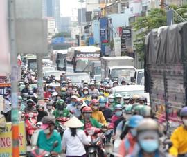 Chùm ảnh: Nhiều tuyến đường ùn tắc nghiêm trọng