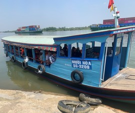 TP.HCM tạm dừng chở khách đến 3 điểm bằng đường thủy